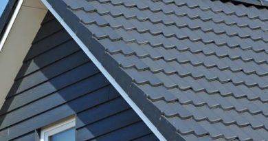 Travaux de toiture : comment poser les tuiles de rive?